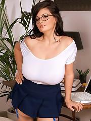 Wonder Bra-buster^Score Land Big Tits girl sex girls big tits boobs busty babe babes